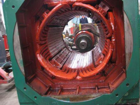 Máy điện sử dụng để chuyển đổi ngược lại từ cơ sang năng lượng điện