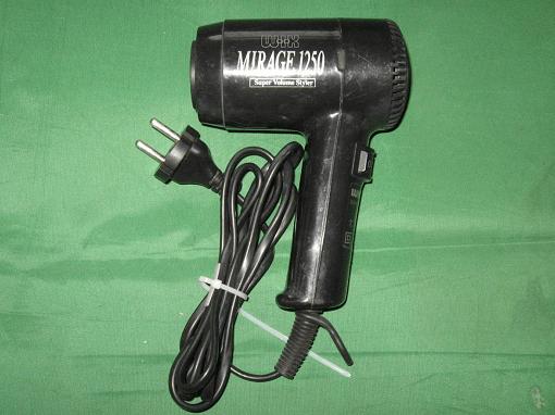 Thiết kế của chiếc máy sấy tóc tương đối đơn giản