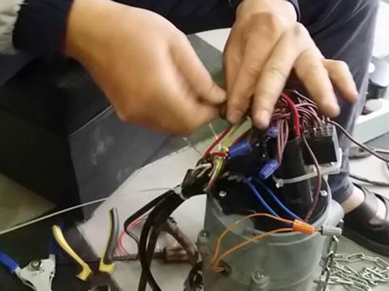 Cần thay cuộn phanh mới cùng chủng loại với motor mà bạn đang sử dụng