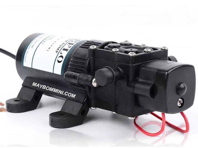 Motor bình phun tạo ra sự chuyển động của máy phun thuốc trừ sâu