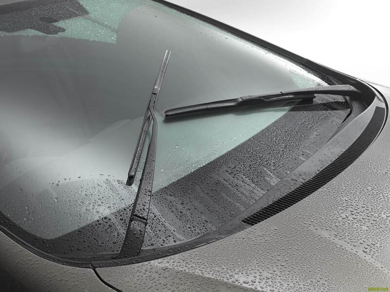 Motor gạt nước ô tô là một trong những thiết bị quan trọng của ô tô