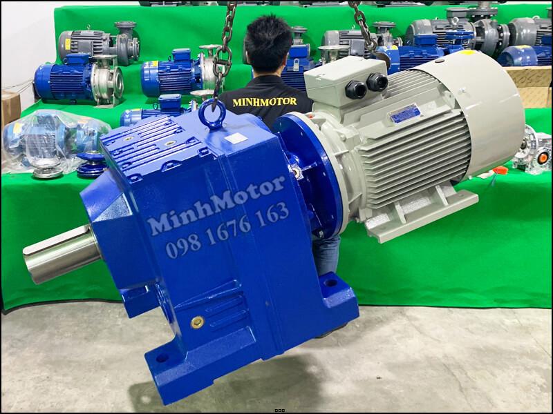 Motor điện 3 pha 55kw 75HP 4 pole gắn giảm tốc tải nặng